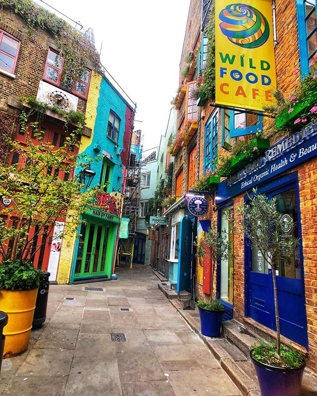 Neal's Yard and breakfast at @26grains are a MUST in #London! . . #LondonFood #LoveLondon #Yum #NealsYard