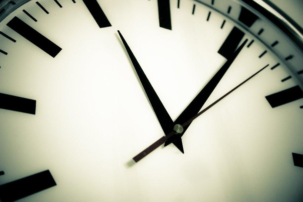 clock-594178_1920.jpg