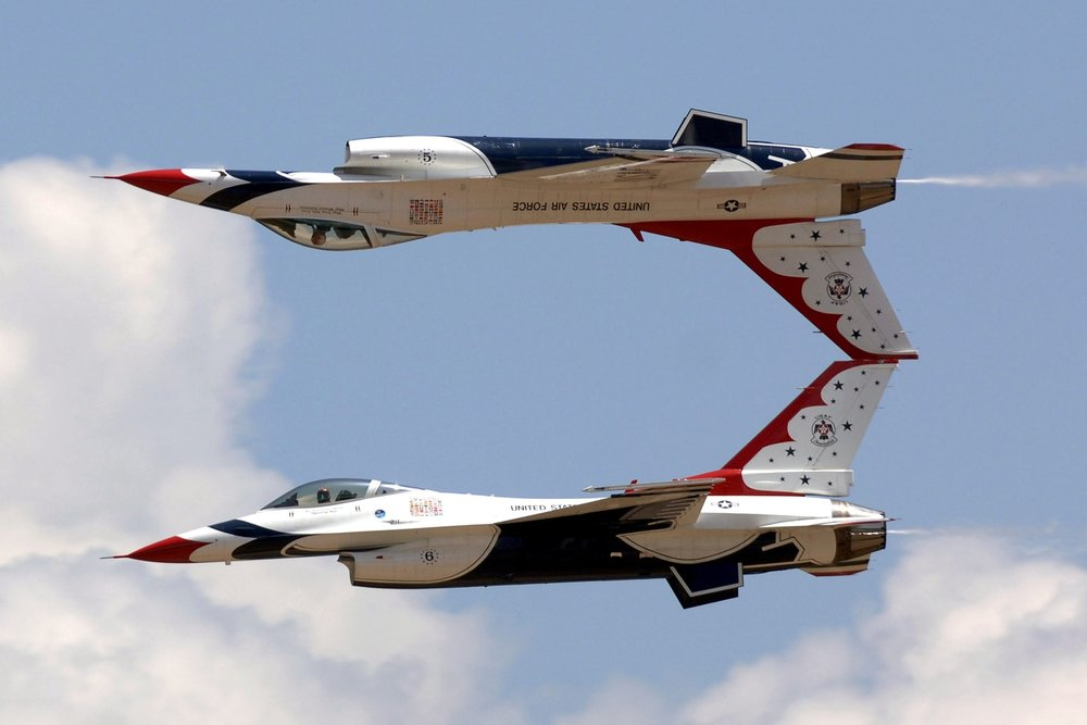 jets-air-show-aerial-demonstration-military.jpg