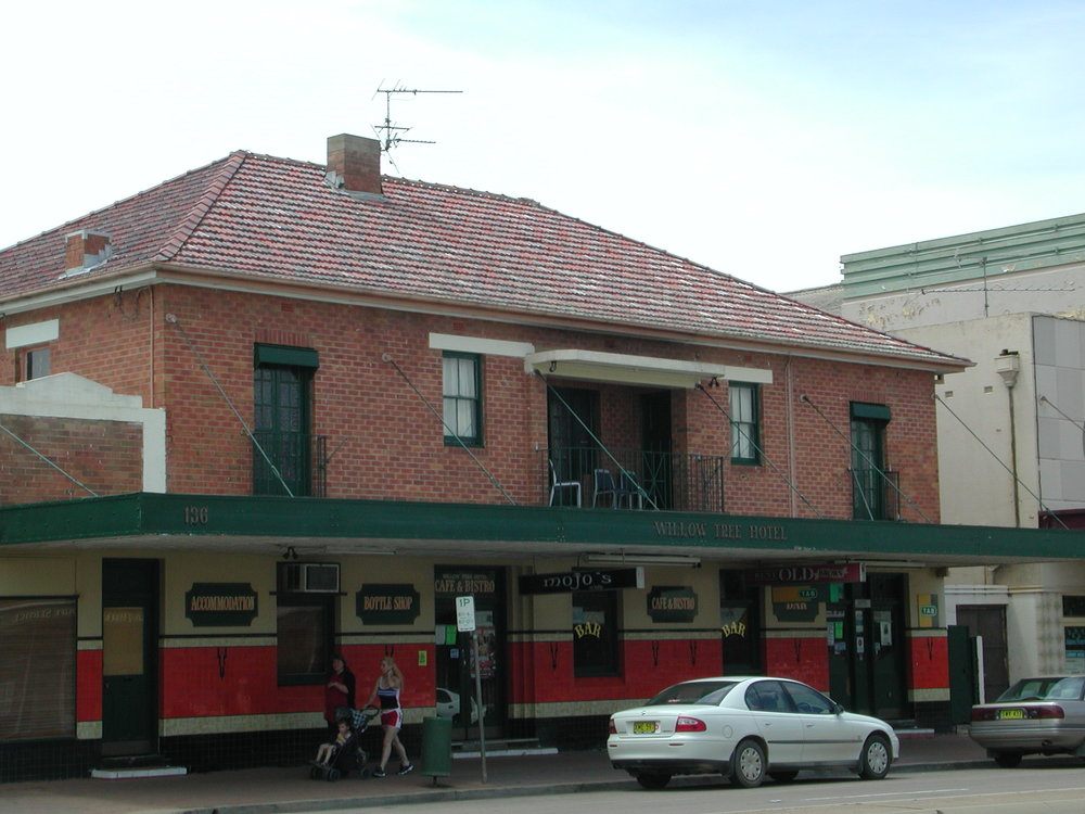 Willow Tree Hotel, Scone.JPG