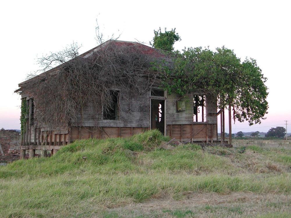 Derelict house, MCC 07019.jpg