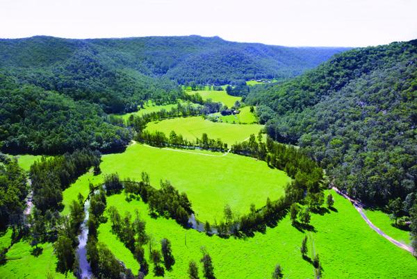 Aerial Photo - Glenworth Valley 04027.jpg