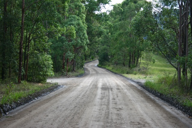 Dirt Track Oslands Road Freemans Waterhole4.jpg