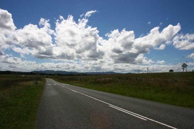 Hebden Road Off New England Hwy2.jpg