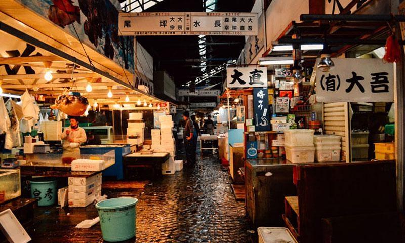 0615_tsukiji1_web_1.jpg