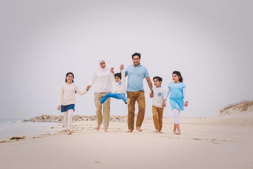 Print Xeeshan Family Beach Session-5.jpg
