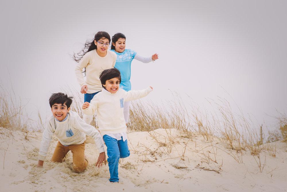 Print Xeeshan Family Beach Session-3.jpg