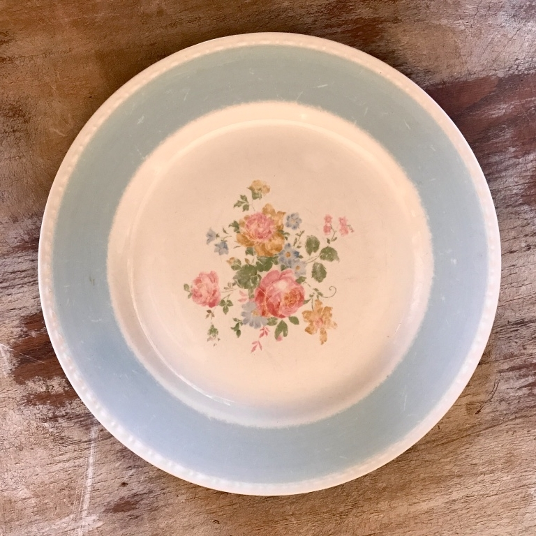 Vintage mismatched blue china dinner plate. Wedding Rentals.