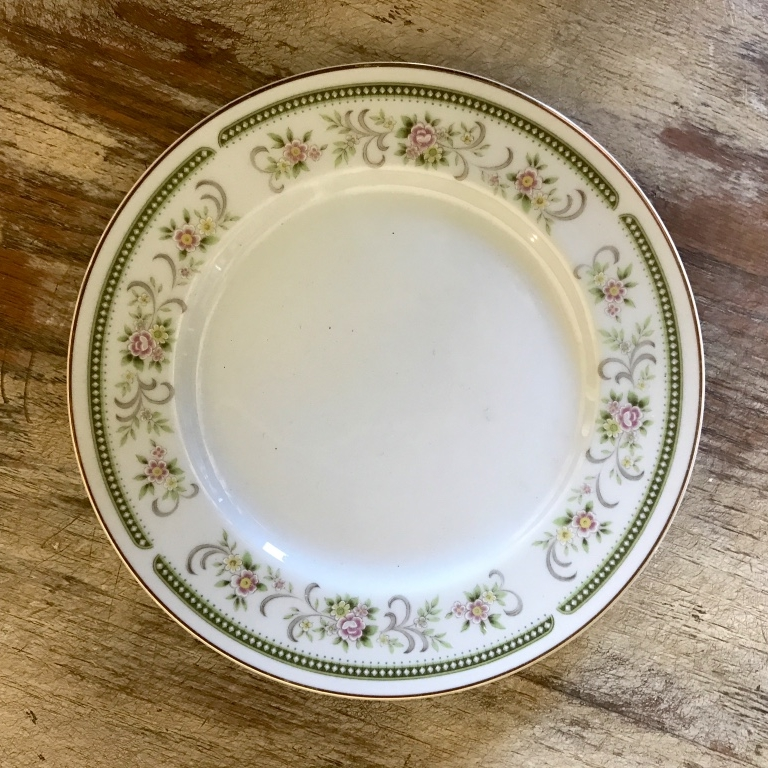 Hazelnut mismatched vintage china dinner plate for wedding tables. Rentals in the Temecula Valley,
