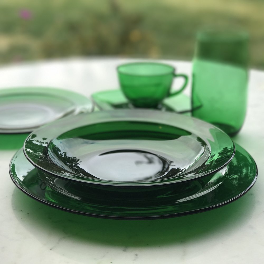Anchor Hocking Mid Century Modern dishes are perfect for adding that pop of color to any wedding table. Rentals in Murrieta.
