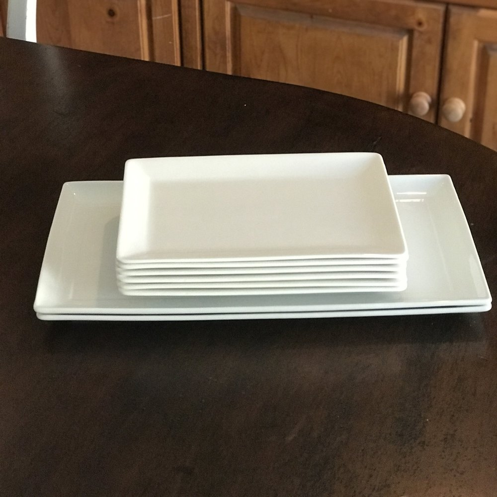 White Collection serving trays in two different sizes. Great for appetizers or desserts. Vintage wedding rentals in the Temecula Valley.