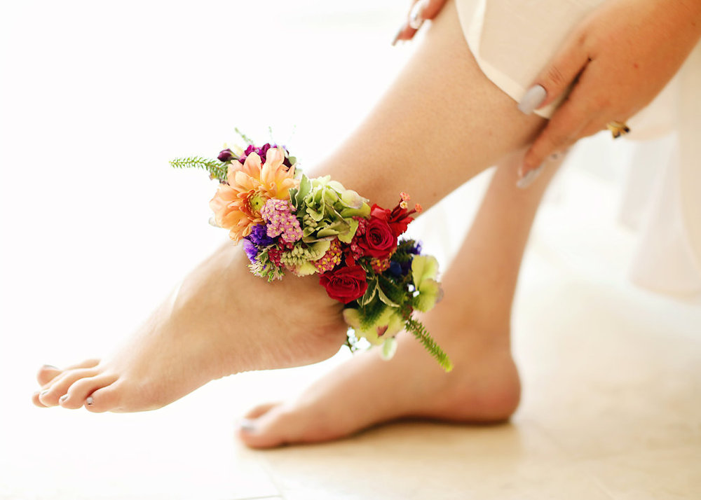 A uniques floral feature was the anklet the bride wore during the styled shoot.