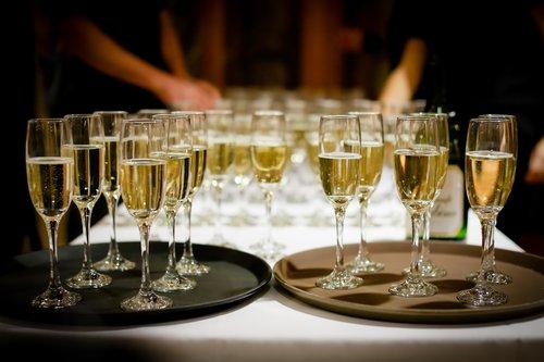 champagne-1196112_1280.jpg