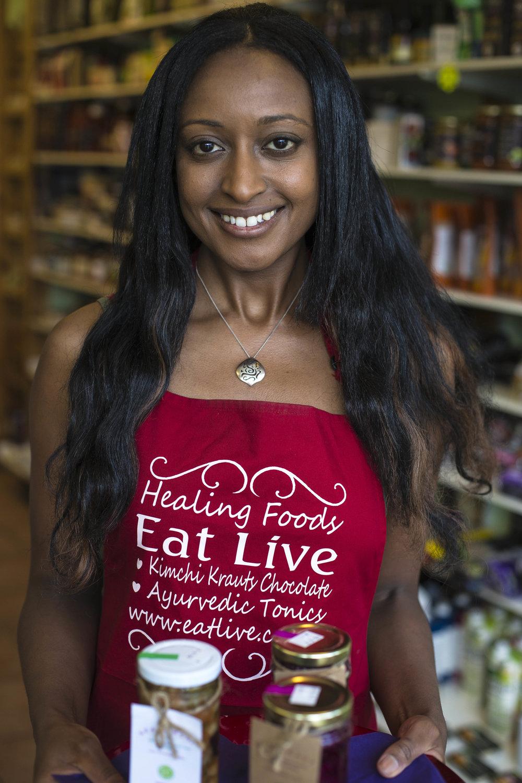 Emma Louise Follows - Eat Live