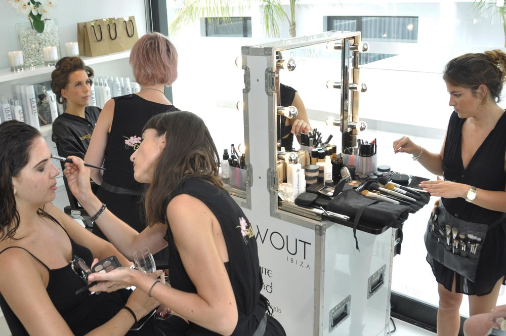 Guests enjoyed complimentary make-uppers by our team of MUAs using bareMinerals