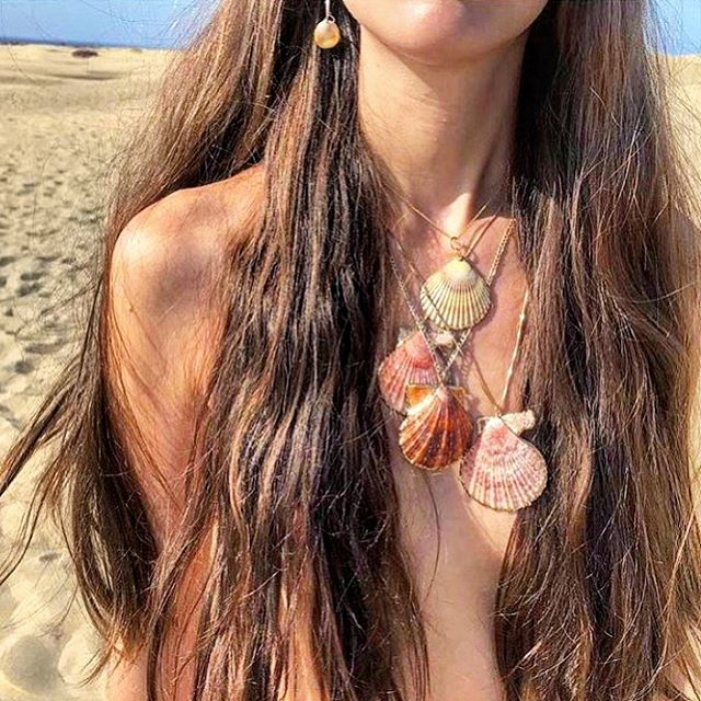 M E R M A I D  H A I R  Coming soon to Blowout Ibiza... 🐚🌊✨ . . . . #ibiza #ibizahair #blowoutibiza #ibizastylist #ibizastyle #mermaidhair #hairgoals #siren #waves #beauty #fashion #hairextensions #hairgoals