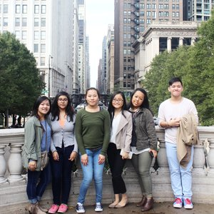 The Fab Six - Modeled after the success of our inaugural trip, six fashion lovers from Manitowoc, Wisconsin joined us for a weekend of fashion industry immersion in Chicago. The students toured Columbia College's fashion program and participated in a fashion class with Chicago based designer Anna Hovet, during which the students were encouraged to ask the professional their industry related questions. Additionally, they went behind the scenes at Trunk Club, a professional styling service, visited the Shedd Aquarium, and shopped their way along the iconic Magnificent Mile.