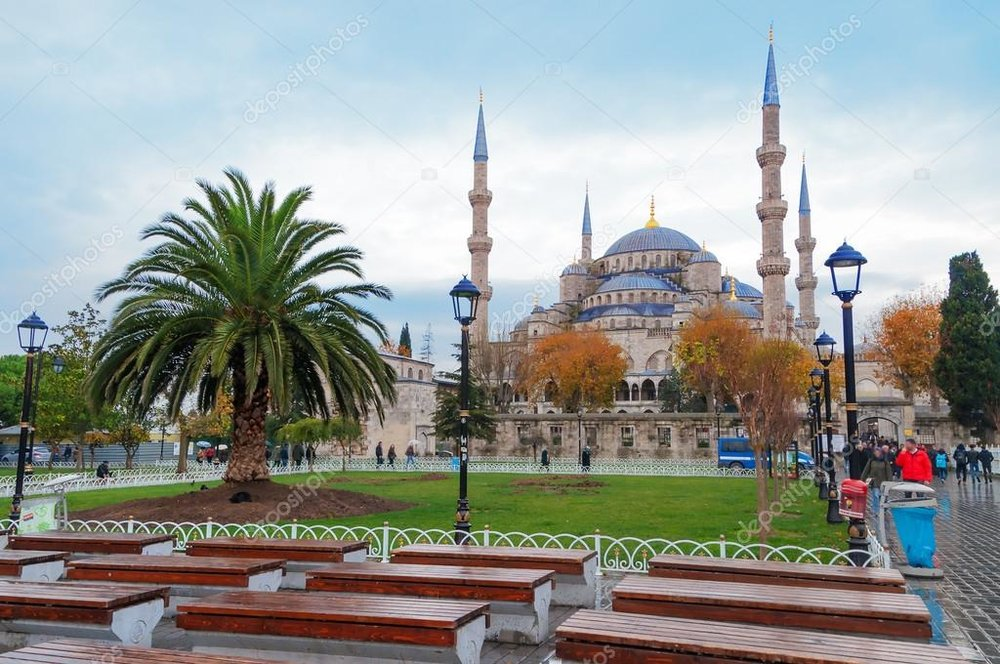 depositphotos_63681729-stock-photo-blue-mosque-in-istanbul-sultanahmet.jpg