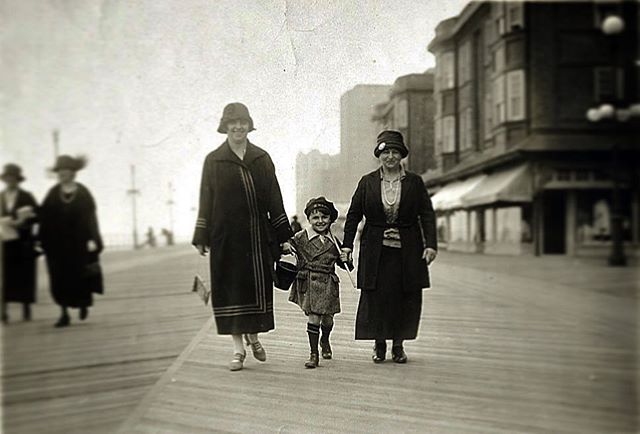 1925, Atlantic City, NJ, the little boy is my great uncle Sy, between great grandmother Ida and great great grandmother Hannah #history #familyroots #boardwalk #atlanticcity #b&wphotography