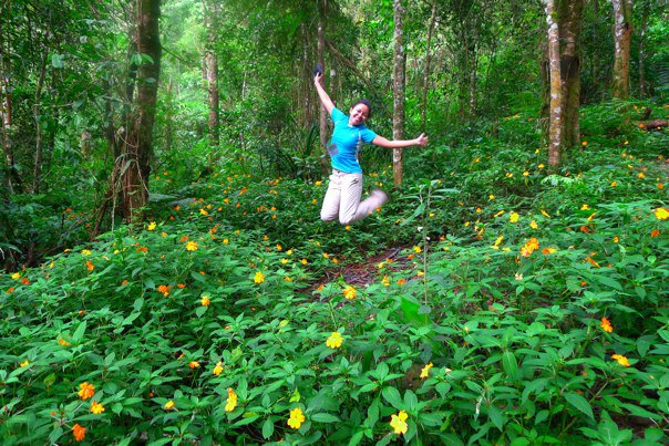 This lovely field of everyday flowers <3 I've only ever seen them in Mt. Apo.