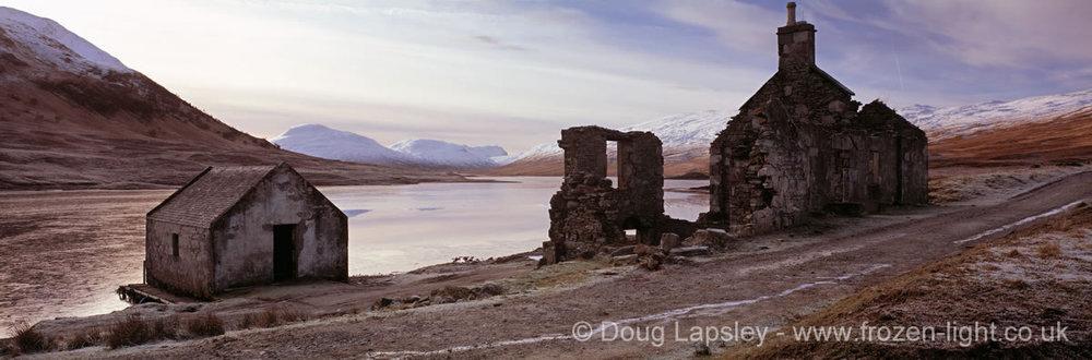 Ruin at Loch a Bhraoin.jpg