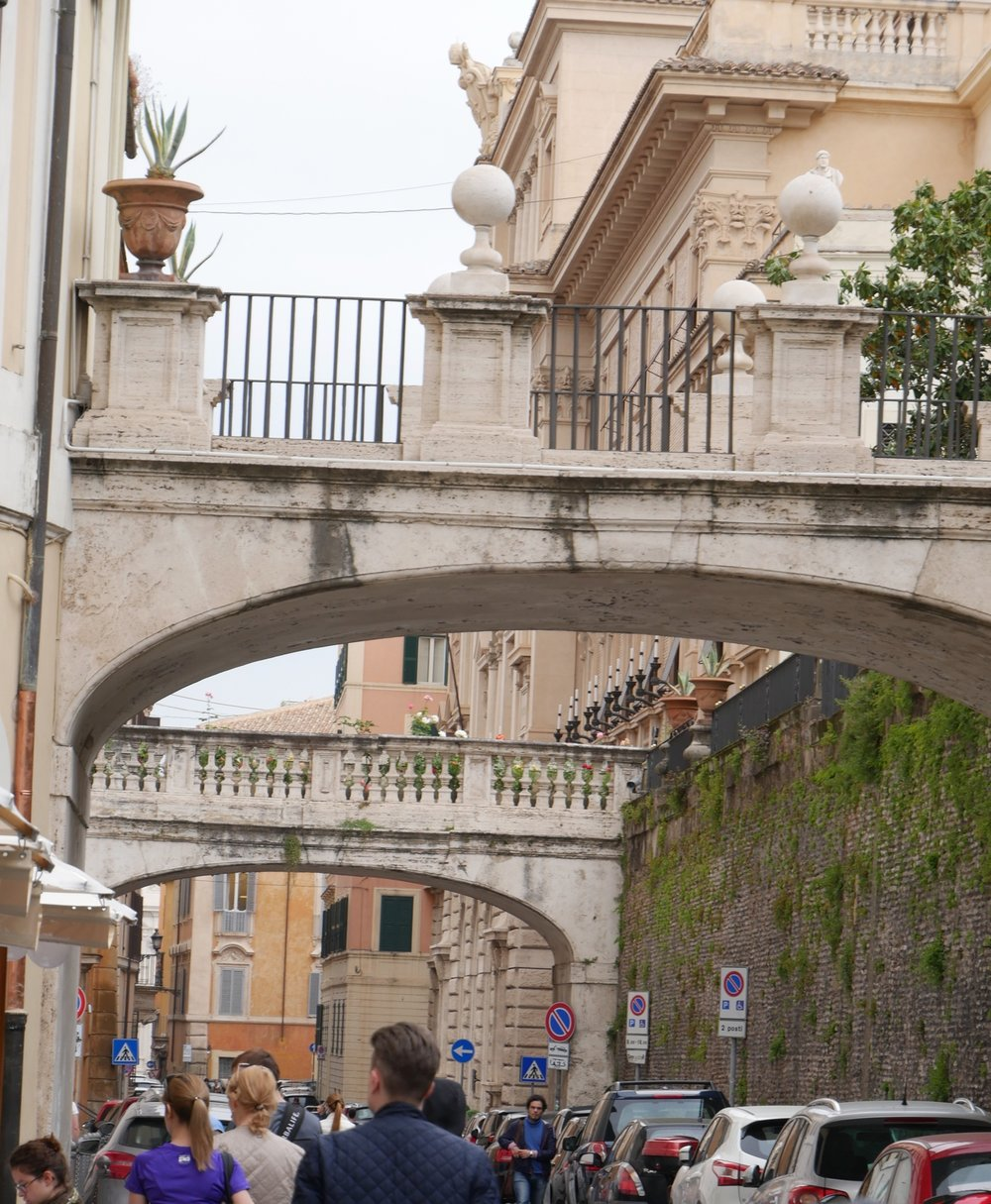 Walking-through-the-streets-in-Rome.jpg