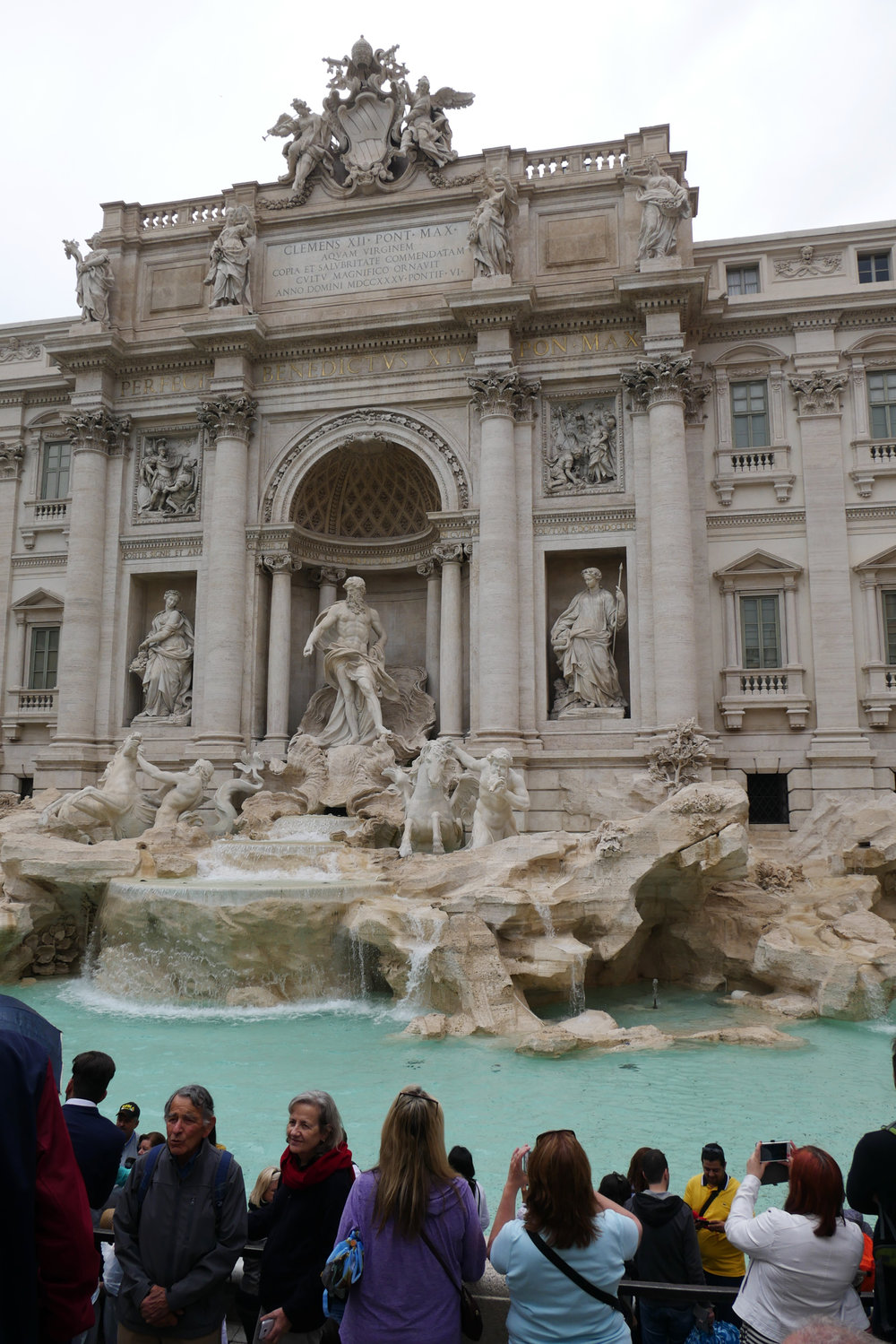 Trevi-Fountain-water-coins-Rome.jpg