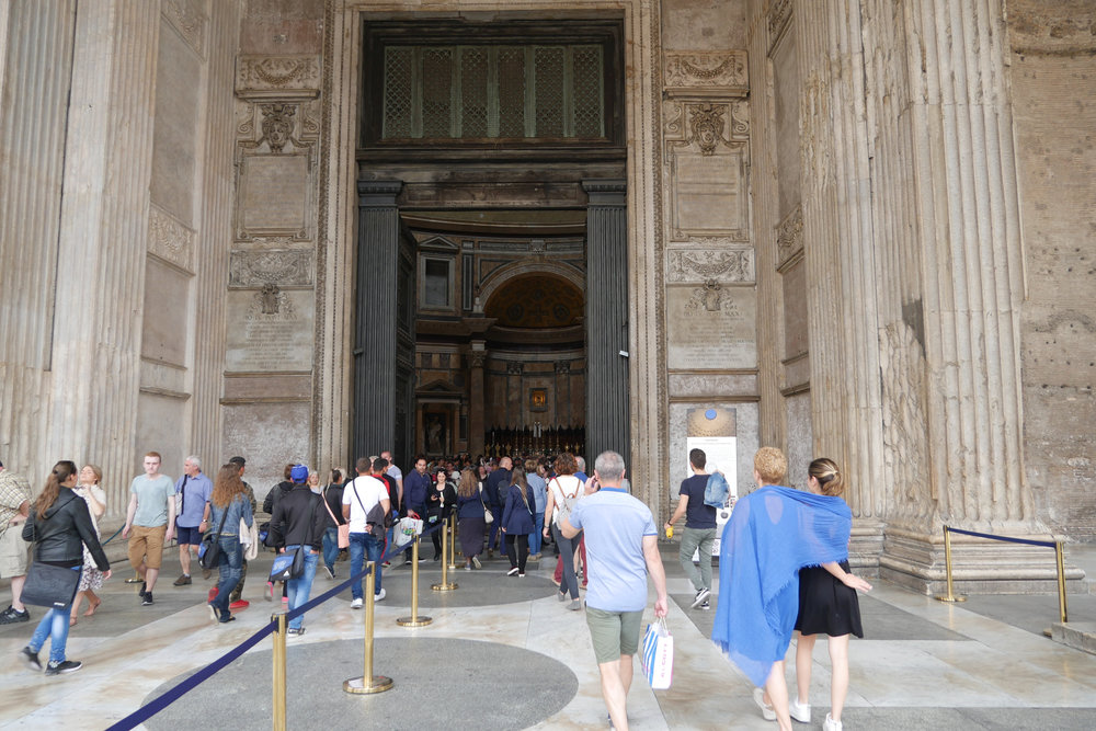 Entrance-to-the-Pantheon.jpg