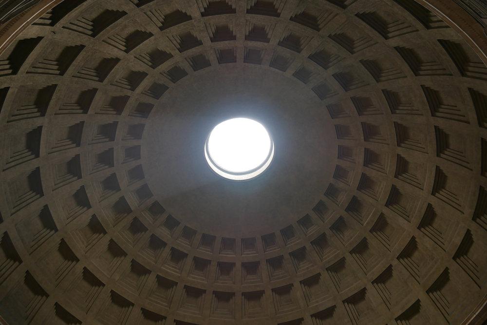 Pantheon-Occulus-Rome.jpg