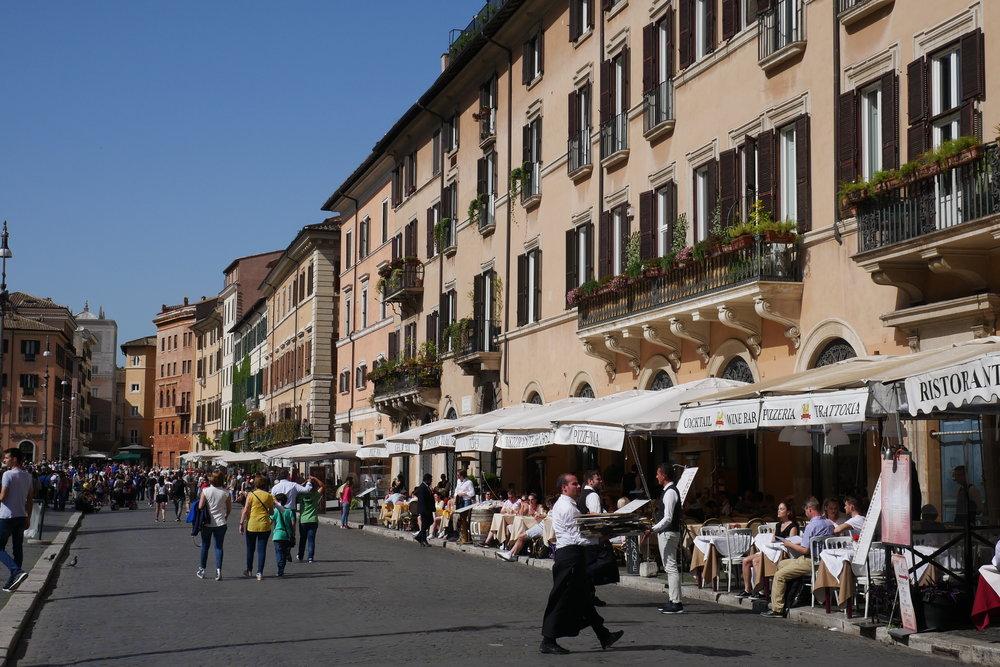 Piazza-Navona-Restaurants-Rome.jpg