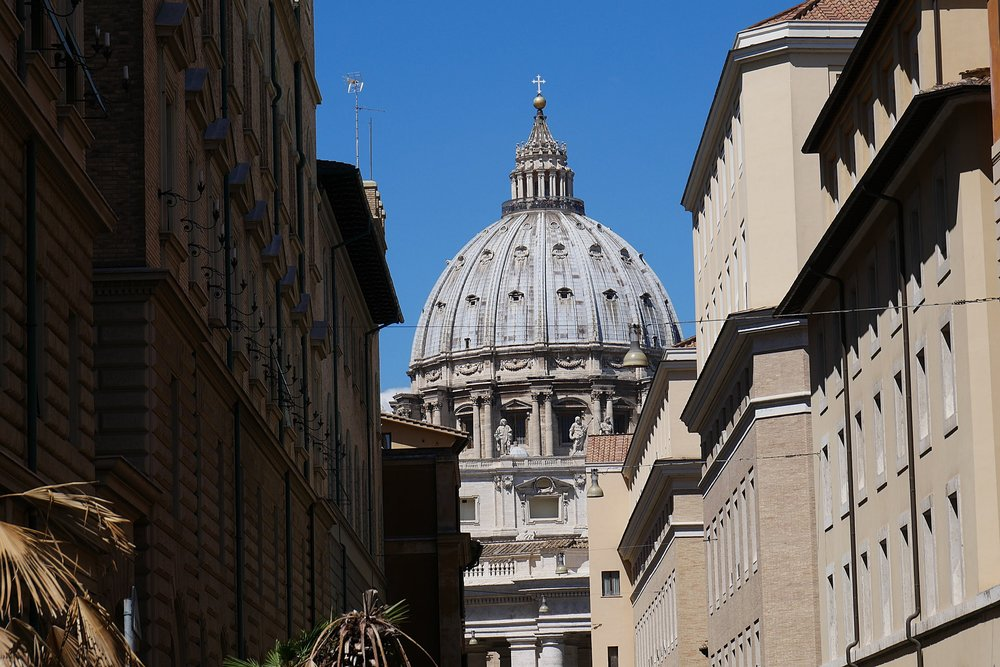 St-Peter's-Basilica-Michealangelo's-Dome-Vatican.JPG