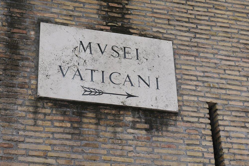 Vatican-Museum-sign.JPG