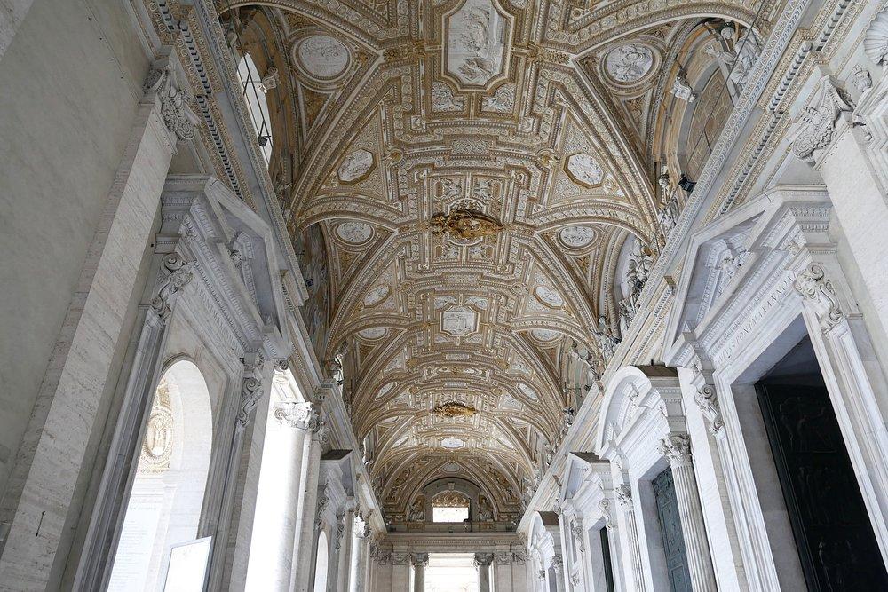 St-Peter's-Basilica-Vatican.JPG