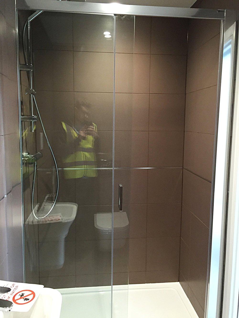 Ensuite-Shower-Toilet-basin-Bristol.jpg
