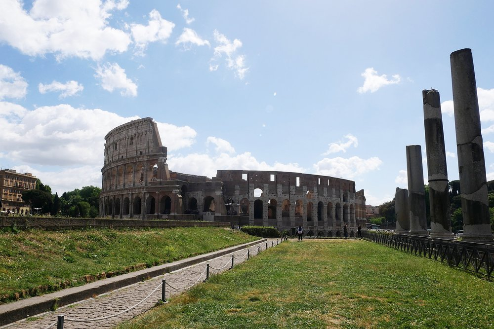 Colosseum-Roman-Forum-view-Rome.JPG