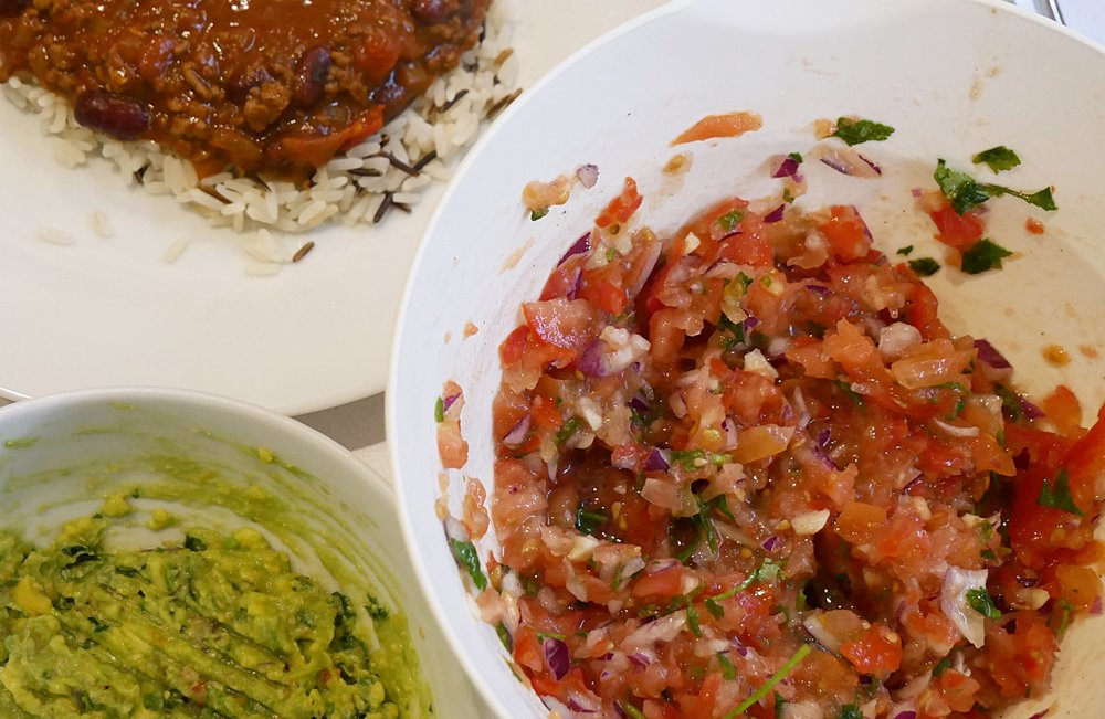 Quick-and-easy-homemade-salsa.jpg