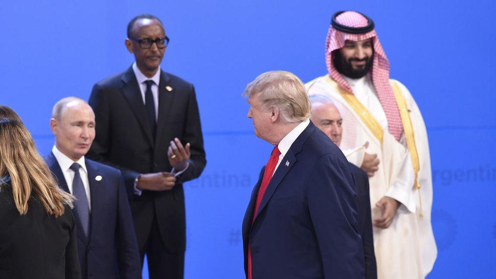Під час саміту президент США Дональд Трамп не привітався і скасував зустріч з президентом РФ Володимиром Путіним  Reuters