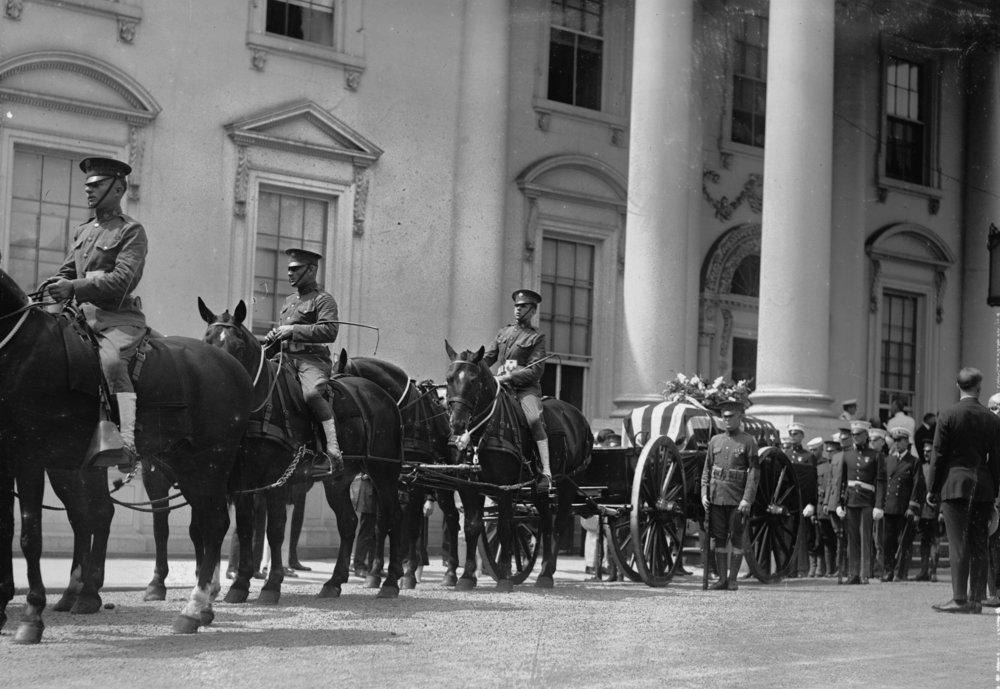 Похорон 29-го Президента США Воррена Гардінга, 1923.  Photo: Wikipedia, United States  Library of Congress 's  Prints