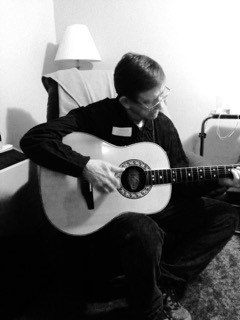 pete-guitar-black-white.jpg