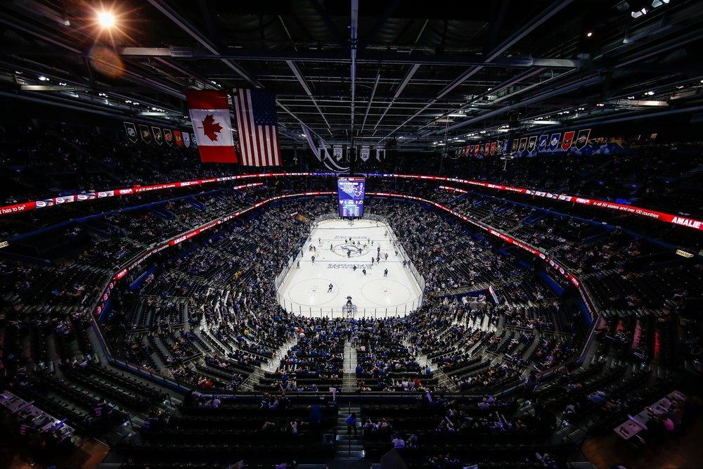 s20160524Hockey_TBLvPIT_Fans271cbl.jpg