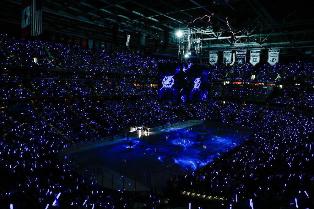 s20160430Hockey_TBLvNYI_Fans1133cbl.jpg