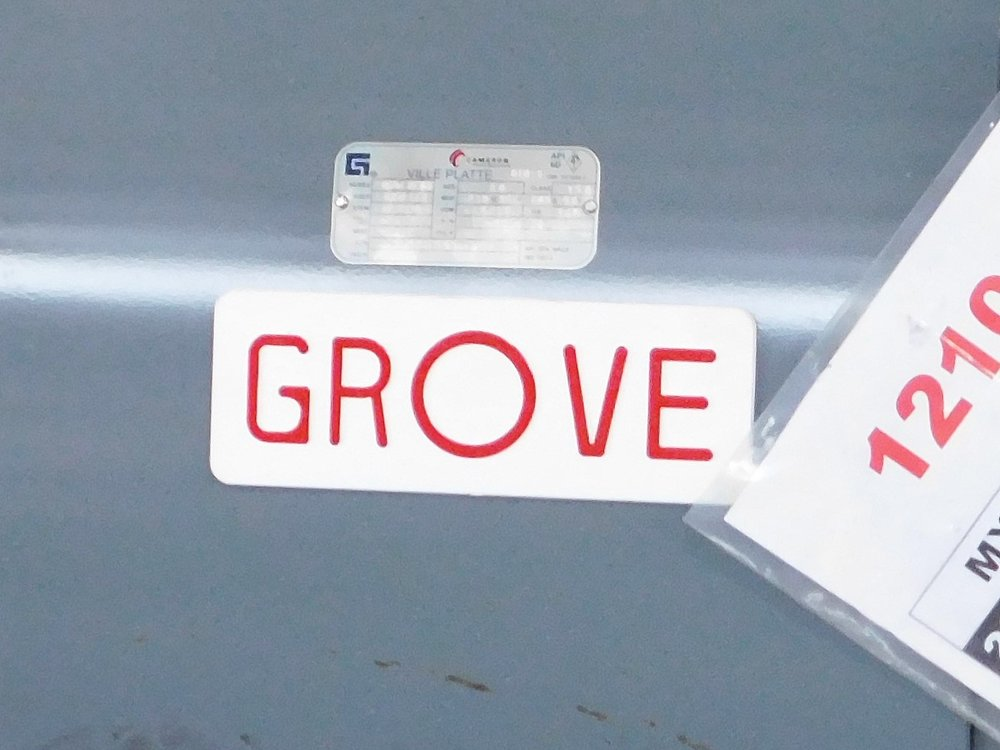 Grove_close up.jpg