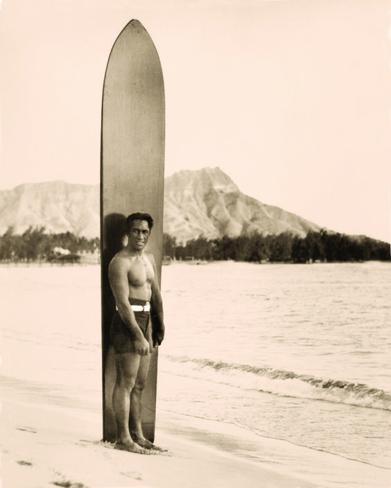 The Duke (Kahanamoku), with surf stick | Waikiki 1930