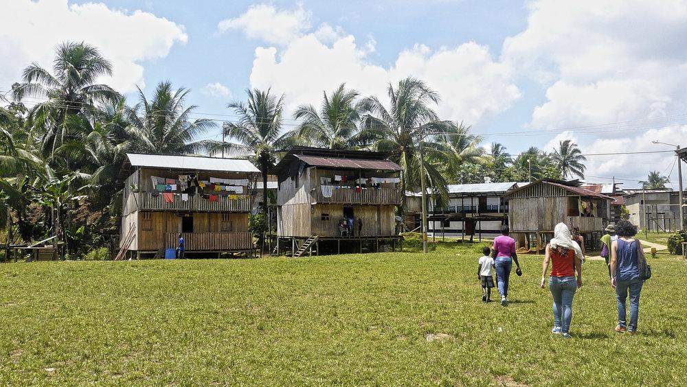 Cayapas Ecuador comunidad.jpg
