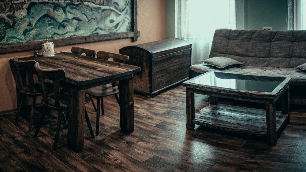 RWood-laud-handmade-wood-furniture-vanutatud-vana-puit-3.jpg