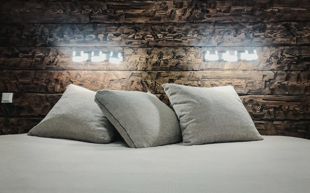 RWood-sein-handmade-wood-wall-vanutatud-vana-puit.jpg