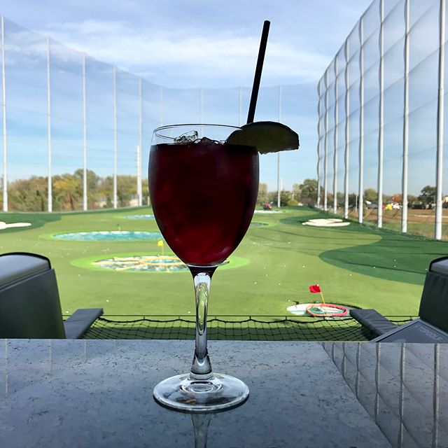Not a cloud in the sky for our Fall Employee Event @topgolf Naperville this afternoon. So much fun!!!🏌🏽 . . . #allianceculture #alliancedrywall #alliancecarpentry #allianceacoustical #alliancedoor #alliancehardware #topgolfnaperville #officeouting #golf