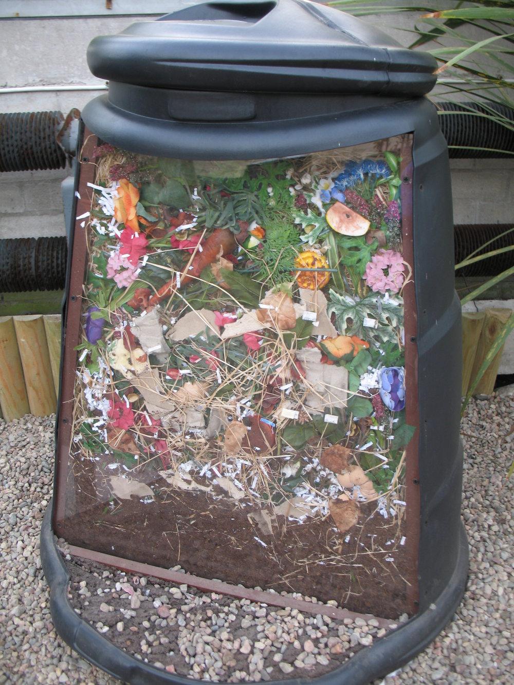 Compost_bin_cutaway_by_Bruce_McAdam.jpg