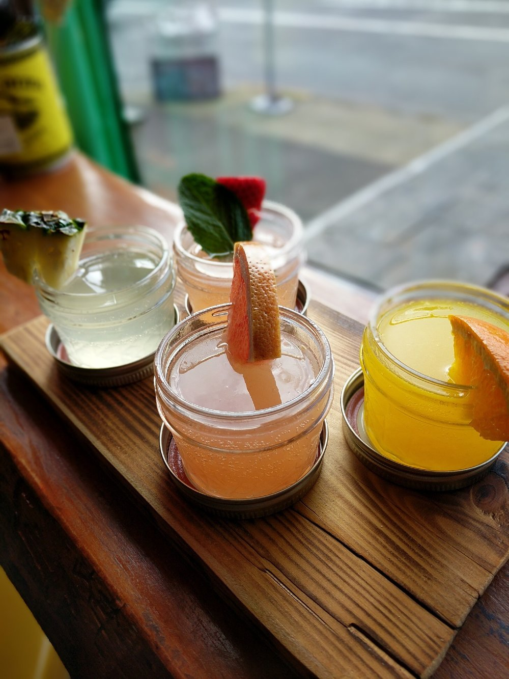 taco-pedaler-brunch-mimosa-flight.JPG