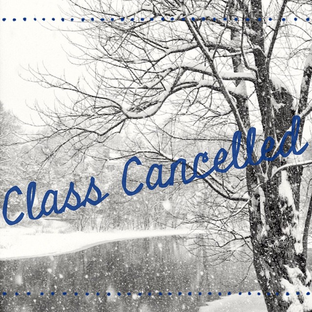 The studio will be closed tomorrow (Sunday, 2/15) due to the storm, Rêvers!